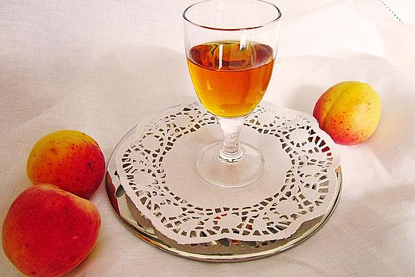 Apricot Liqueur Made from Seeds