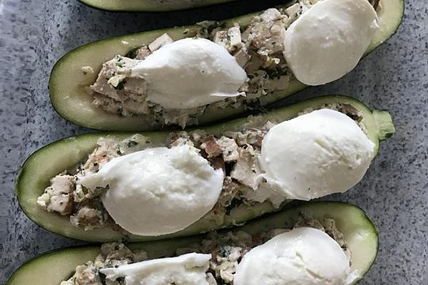 Filled Zucchini with Tofu and Fresh Cream
