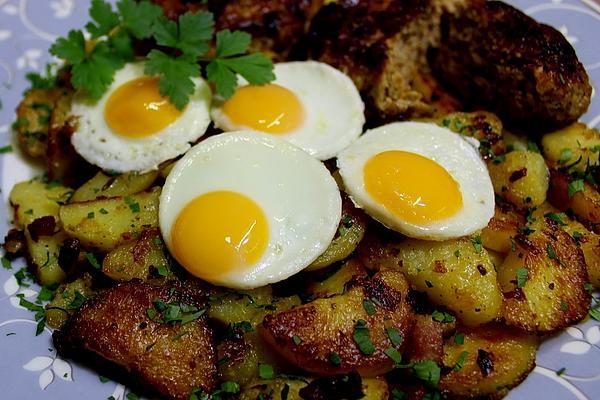 Fried Potatoes with Fried Quail Eggs