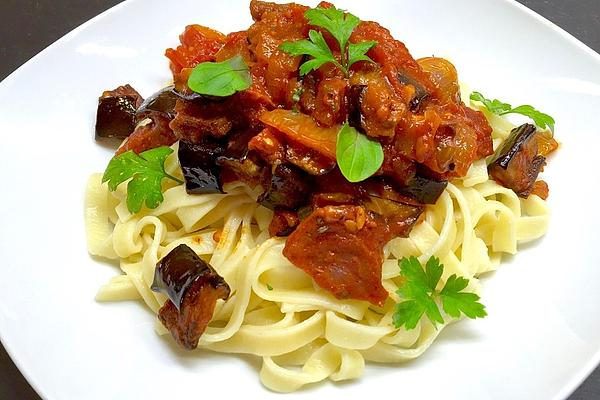 Pasta in Tomato and Eggplant Sauce