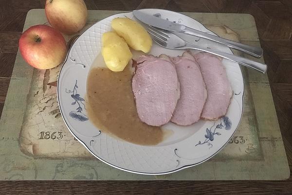 Roast Smoked Pork with Apple Sauce in Römertopf