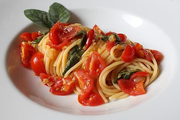 Salvia Pomodoro Pasta
