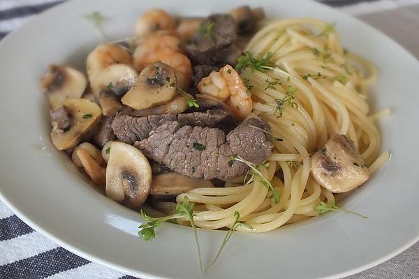 Spagetthi Con Carne E Scampi