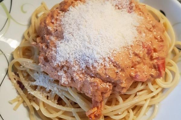 Spaghetti in Tuna Tomato Sauce