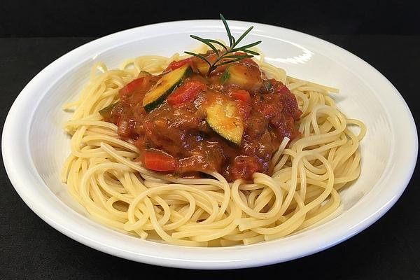 Spaghetti with Tomato and Zucchini Sauce
