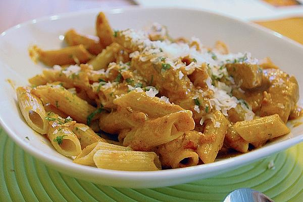 Whole Wheat Pasta with Strips Of Chicken Breast in Spicy Tomato and Cream Cheese Sauce