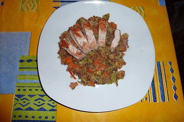 Fried Chicken Breast with Lentils and Leek Vegetables