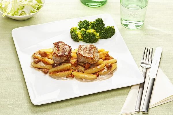 Pork Loin in Creamy Chanterelle Sauce with Potato Noodles