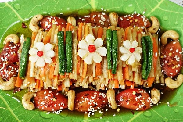 Sweet and Hot Radish with Carrots