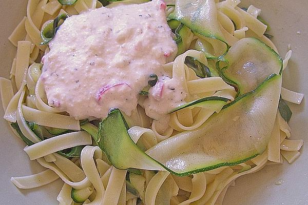 Zucchini – Tagliatelle in Cream – Chili – Garlic – Sauce