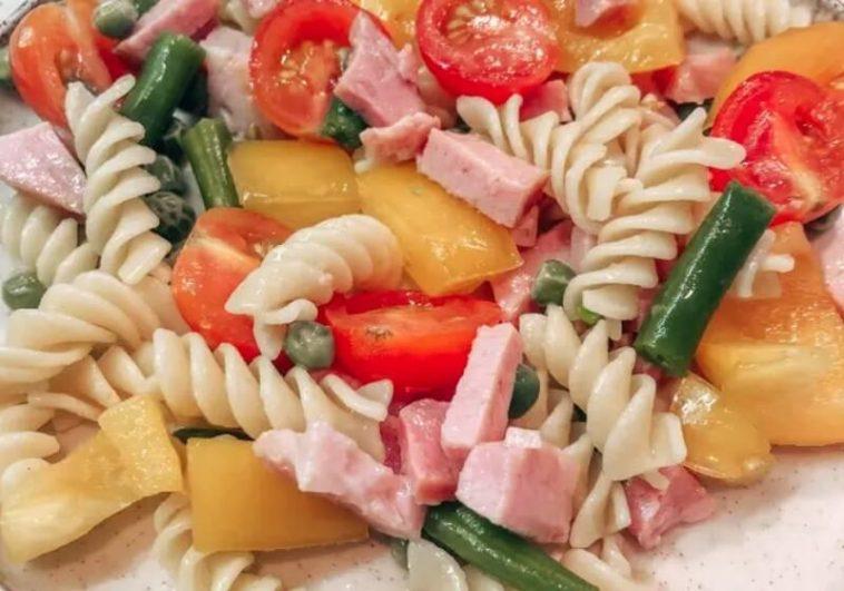 Italian Salad with Pasta and Ham